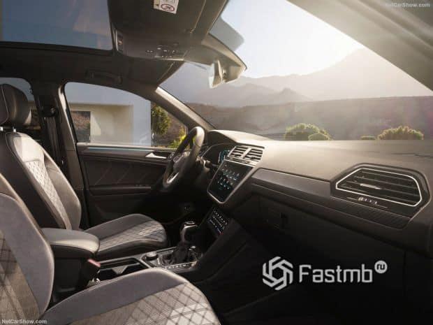 Салон Volkswagen Tiguan 2021, передние сидения